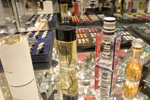 Premium Beauty News - Les Places d\'Or : Le salon du design ...