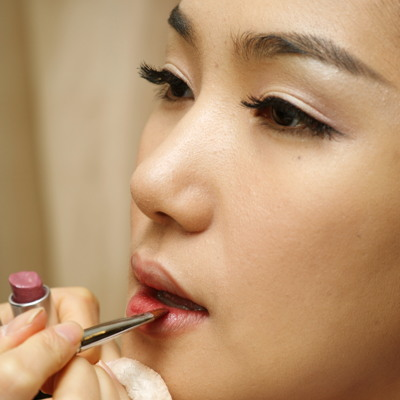 premium beauty news  makeup in seoul to shine the