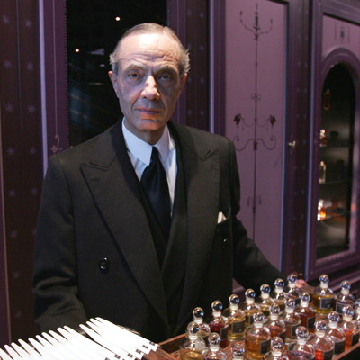 premium beauty news shiseido completes acquisition of serge lutens perfumes. Black Bedroom Furniture Sets. Home Design Ideas