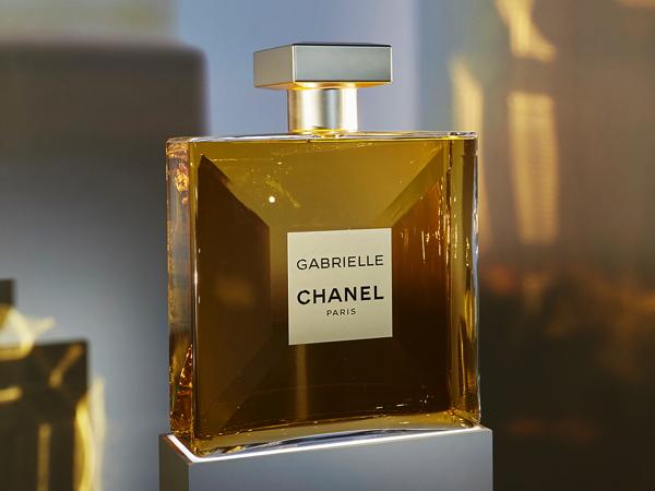 Premium Beauty News Le Parfum Gabrielle De Chanel Sera Lancé Le