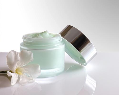 Prix et ingrédients : premiers critères d'achats des cosmétiques pour les Françaises