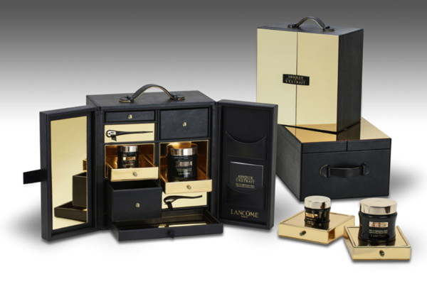 Premium Beauty News Knoll Produces A Luxuous Gift Box
