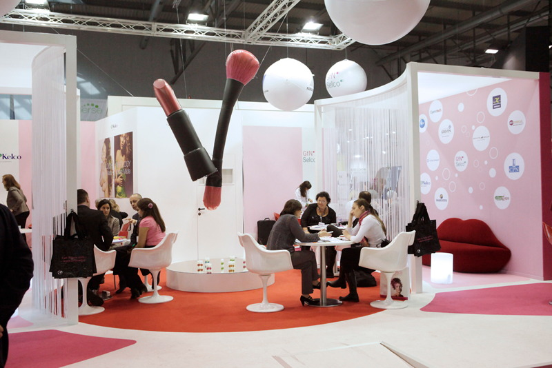 Cosmetic Exhibition Stand Design : Premium beauty news in cosmetics to focus on solar beauty