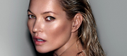 Kate Moss for Decorté Photographer: Mario Testino (Photo : © Business Wire)
