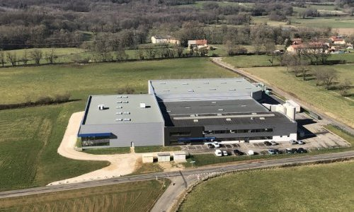 Cosline Packaging : Des flacons glass polymer en PET par extrusion soufflage