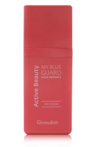 Formulated with 95% of natural origin ingredients 'My Blue Guard High Defence' is marketed as a day cream and morning ritual to ensure perfect skin to young consumers
