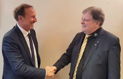 Jean-Marc Arrambourg and Carl-August Heinz agree the deal on 28 September 2018