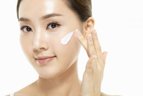 44% of female facial skincare users in China switch their skincare products...