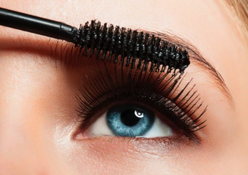 Google users were searching out how to give their lashes more oomph this...
