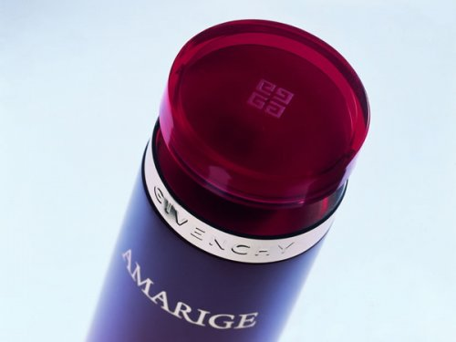 Amarige - Gel. Special marked aluminium shroud. Clicked on top of the...