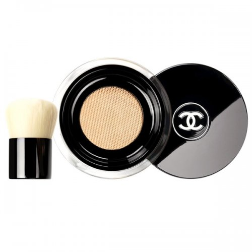 Available in five shades, the Vitalumière Loose Powder Foundation comes with...