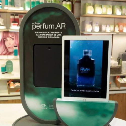 Dubbed « perfum.Ar », Noar's digital solution enables visitors of the new...